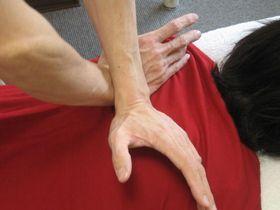 肩こり・首こりの治療:整体.JPG
