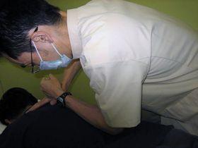 腰痛治療:ほぐし1.JPG