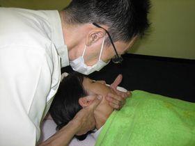 頭痛の治療:カイロプラクティック.JPG