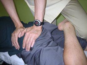 腰痛治療:ほぐし2.JPG