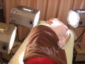 足の痛み・しびれの治療:光線療法.JPG